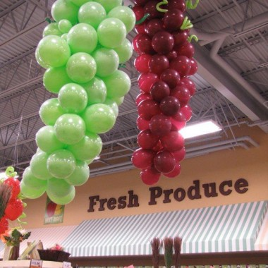 Green and Wine Grapes