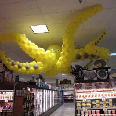 Giant Yellow Octopus